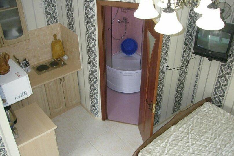 Коттедж для 4-х Однокомнатный в двухуровнях, 30 кв.м. на 4 человека, 1 спальня, улица Руданского, 11, Ялта - Фотография 4
