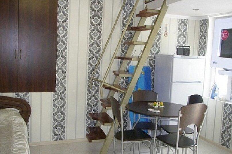Коттедж для 4-х Однокомнатный в двухуровнях, 30 кв.м. на 4 человека, 1 спальня, улица Руданского, 11, Ялта - Фотография 1