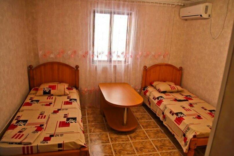 Дом 2 на 4-5 человек)) на 5 человек, 3 спальни, Речной переулок, 3, Феодосия - Фотография 6