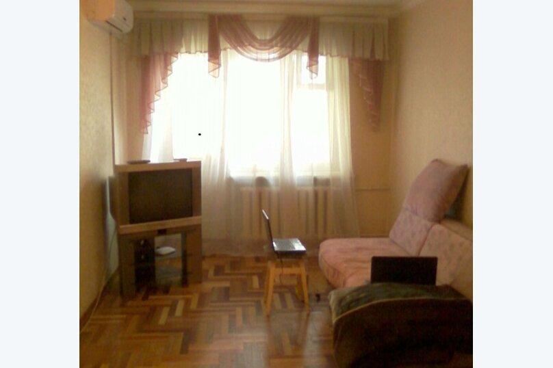 2-комн. квартира, 45 кв.м. на 5 человек, проспект Кирова, 14, Симферополь - Фотография 2