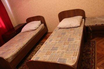 2-комн. квартира, 55 кв.м. на 4 человека, улица Нахимова, 15, Ленинский район, Смоленск - Фотография 2