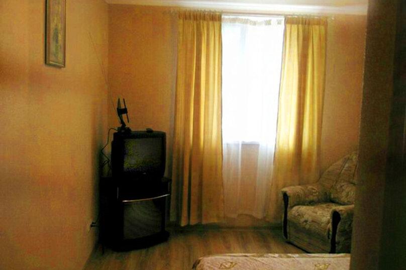 1)Однокомнатная кв-ра в собственном доме с кухней и отоплением на 2 человека, улица Колодяжного, 14, Динамо, Феодосия - Фотография 2