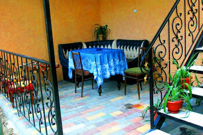 1)Однокомнатная кв-ра в собственном доме с кухней и отоплением на 2 человека, улица Колодяжного, 14, Динамо, Феодосия - Фотография 11