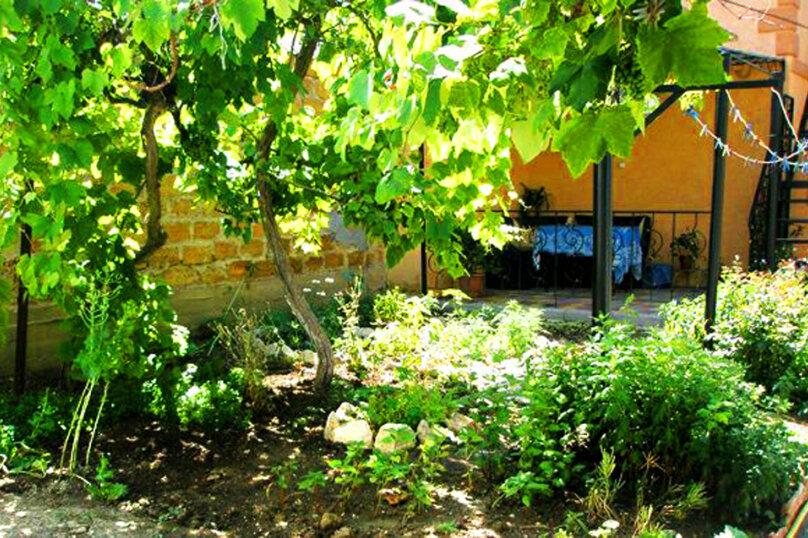 1)Однокомнатная кв-ра в собственном доме с кухней и отоплением на 2 человека, улица Колодяжного, 14, Динамо, Феодосия - Фотография 13