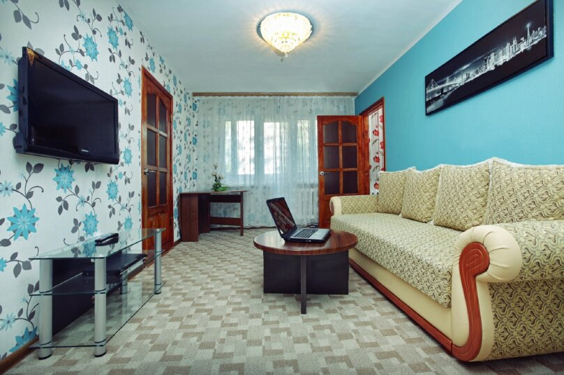 3-комн. квартира, 58 кв.м. на 4 человека, улица Маршала Жукова, 48, Калуга - Фотография 1