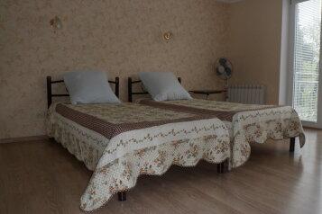 Отдельная комната, улица Соханя, 14, Ялта - Фотография 1