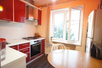 3-комн. квартира, 52 кв.м. на 8 человек, улица Лазарева, 56, Лазаревское - Фотография 1