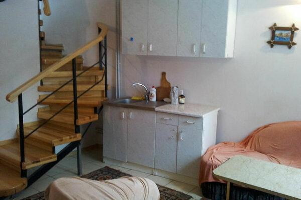 Дом, 150 кв.м. на 4 человека, 4 спальни, улица Бирюкова, 6, Ялта - Фотография 1