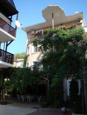Гостевой дом, Черноморская набережная, 40 а на 6 номеров - Фотография 1