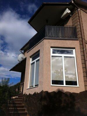 Дом, 200 кв.м. на 4 человека, 1 спальня, улица Глазкрицкого, 17, Алушта - Фотография 1