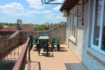 2-комн. квартира, 60 кв.м. на 6 человек, улица Белогубца, 22, Евпатория - Фотография 1