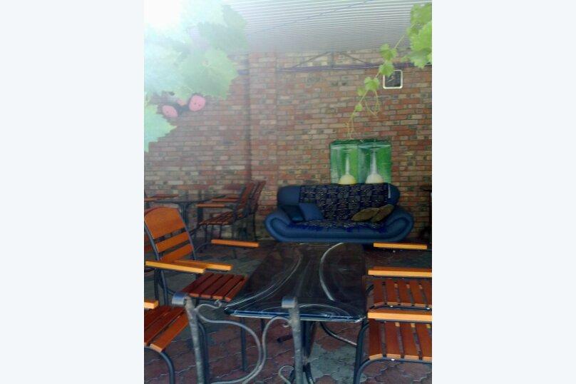 """Гостевой дом """"На Калинина 1А"""", улица Калинина, 1А на 9 комнат - Фотография 24"""