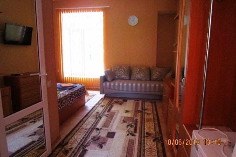 1но комнатный, Революционная улица, 31, Феодосия - Фотография 1