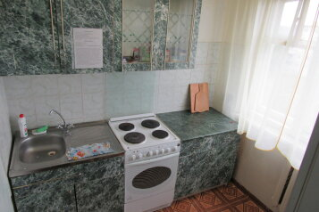 2-комн. квартира, 45 кв.м. на 4 человека, МКР-2, 23, Усть-Катав - Фотография 2