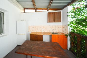 Коттедж, 90 кв.м. на 12 человек, 6 спален, улица Якова Кушнира, Судак - Фотография 2