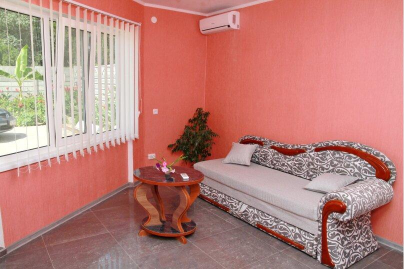 2-х комнатный Люкс, улица  Кадыр-Амет Мухтара, 13, Морское - Фотография 1