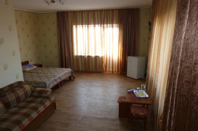 Семейный номер с балконом, Софиевская, 2, Заозерное - Фотография 1