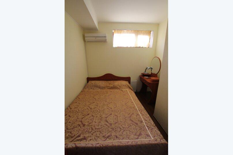 1 комнатный 2х местный, улица Победы, 3Б, Партенит - Фотография 3