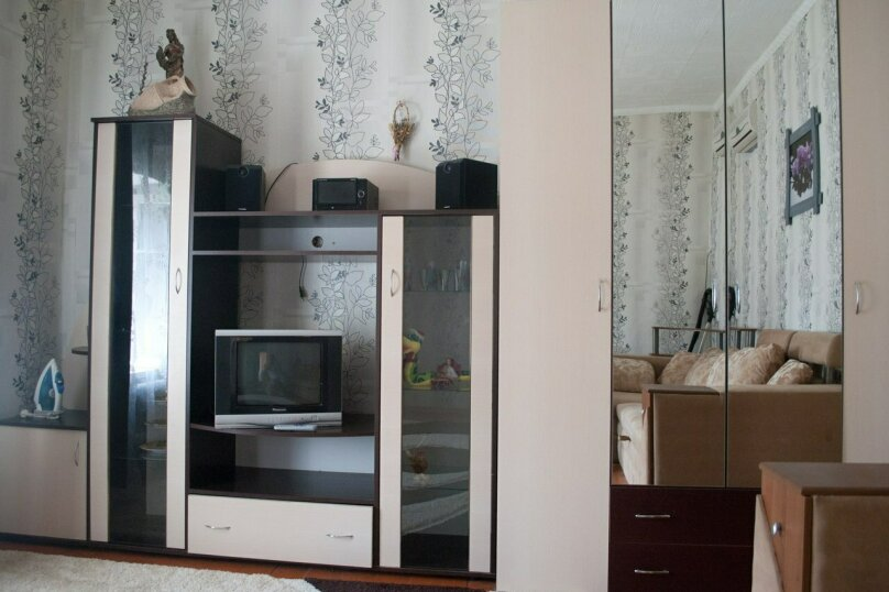 2-комн. квартира, 45 кв.м. на 4 человека, Караимская улица, 29, Евпатория - Фотография 2