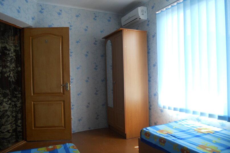 Номер 2-х местный, Московская улица, 43, Феодосия - Фотография 3
