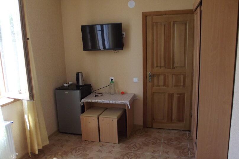 Однокомнатный на 1-2* спальных места, улица Листовничей, 46, Динамо, Феодосия - Фотография 2