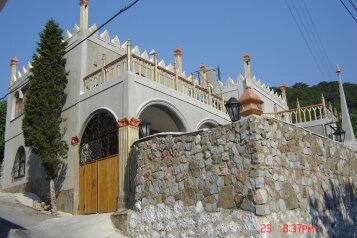 Отдых в Крыму от хозяина., улица Изергина, 3 на 5 номеров - Фотография 1