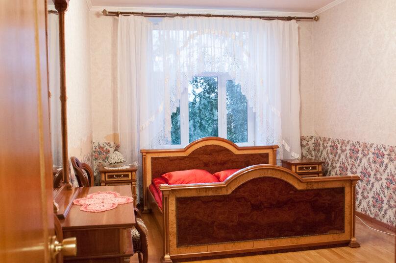 3-комн. квартира, 70 кв.м. на 7 человек, улица Типанова, 18, Санкт-Петербург - Фотография 4