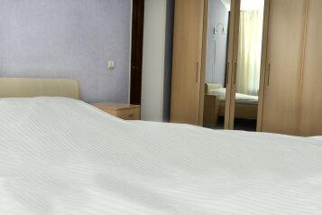 2-комн. квартира, 60 кв.м. на 4 человека, площадь Победы, Ленинский округ, Калуга - Фотография 3