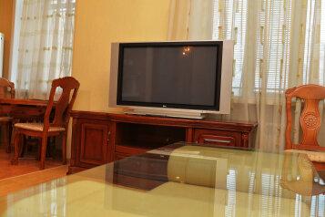 2-комн. квартира, 60 кв.м. на 4 человека, улица Достоевского, Ленинский округ, Калуга - Фотография 2