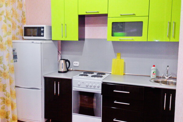 1-комн. квартира, 40 кв.м. на 4 человека, проспект Вячеслава Клыкова, 86, Центральный округ, Курск - Фотография 1