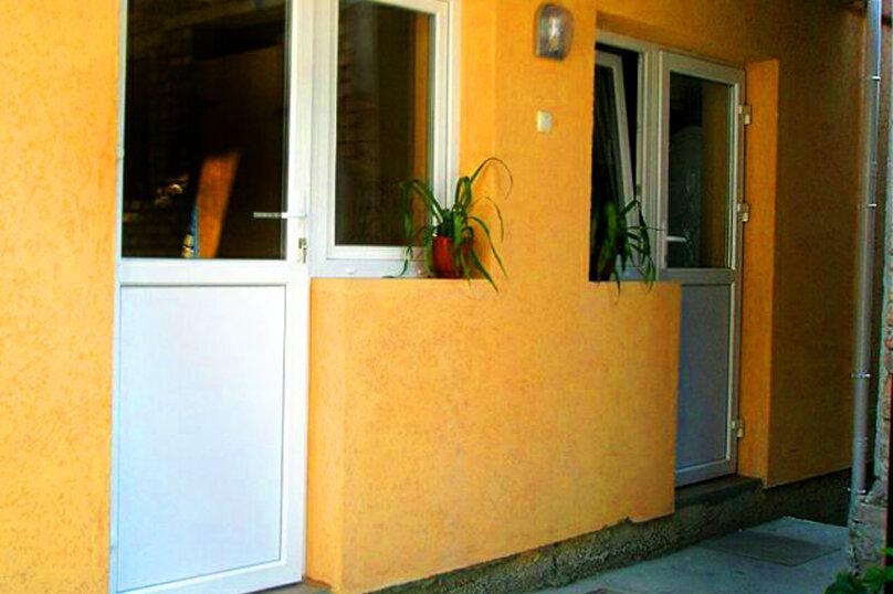 2) Однокомнатная кв-ра в собственном доме с кухней и отоплением на 2 человека, улица Колодяжного, 14, Динамо, Феодосия - Фотография 8