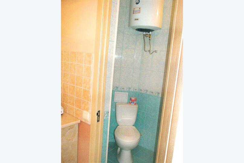 2) Однокомнатная кв-ра в собственном доме с кухней и отоплением на 2 человека, улица Колодяжного, 14, Динамо, Феодосия - Фотография 9