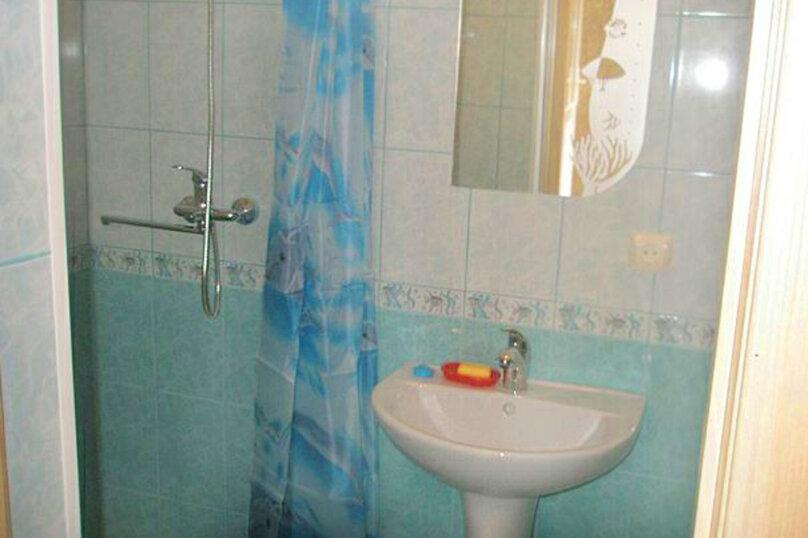 2) Однокомнатная кв-ра в собственном доме с кухней и отоплением на 2 человека, улица Колодяжного, 14, Динамо, Феодосия - Фотография 11