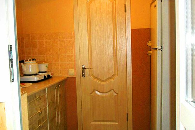 2) Однокомнатная кв-ра в собственном доме с кухней и отоплением на 2 человека, улица Колодяжного, 14, Динамо, Феодосия - Фотография 13
