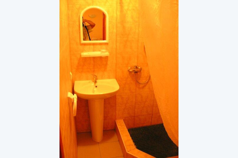 Сдам свое жилье в Лазурном, 80 кв.м. на 18 человек, 6 спален, Головкинского, 2, Лазурное, Алушта - Фотография 13