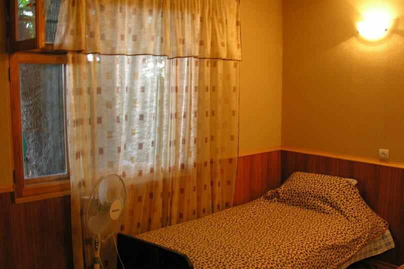 Сдам свое жилье в Лазурном, 80 кв.м. на 18 человек, 6 спален, Головкинского, 2, Лазурное, Алушта - Фотография 16