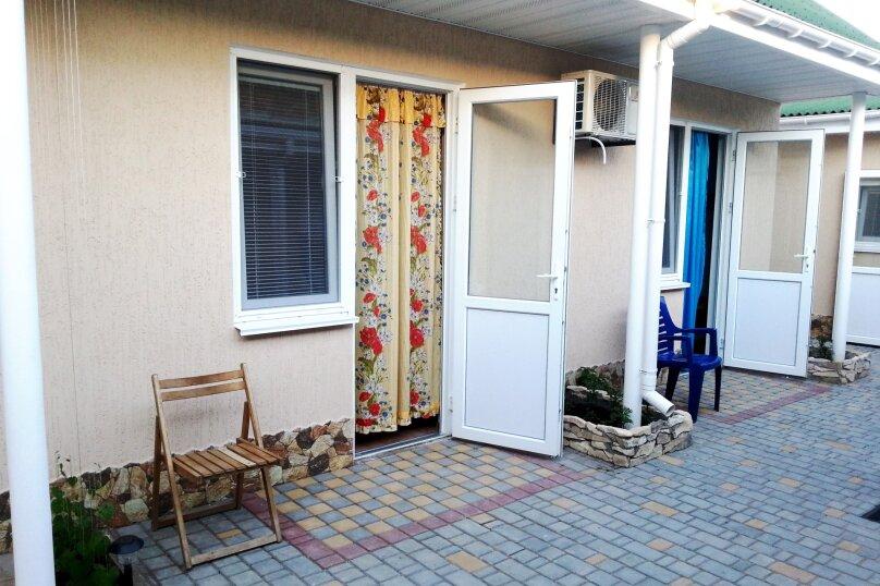 Номера 3-х местные, улица Морозова, 30А, поселок Приморский, Феодосия - Фотография 1