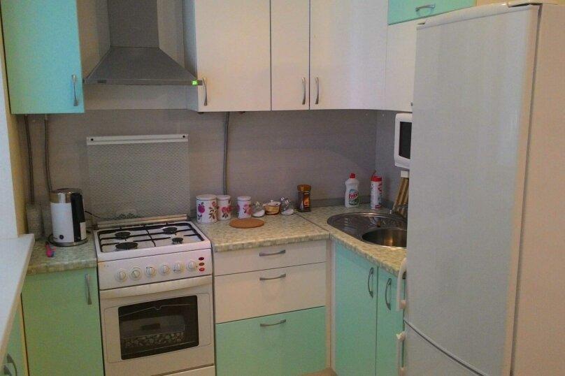 2-комн. квартира, 44 кв.м. на 5 человек, улица Тимофея Кривова, 9, Чебоксары - Фотография 16