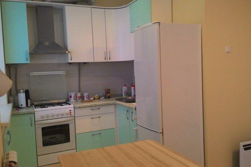 2-комн. квартира, 44 кв.м. на 5 человек, улица Тимофея Кривова, 9, Чебоксары - Фотография 17