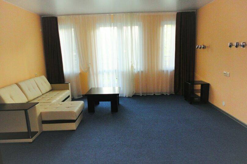 3 комнатный (6 спальных мест), зона отдыха, База отдыха «Волна», Екатеринбург - Фотография 2