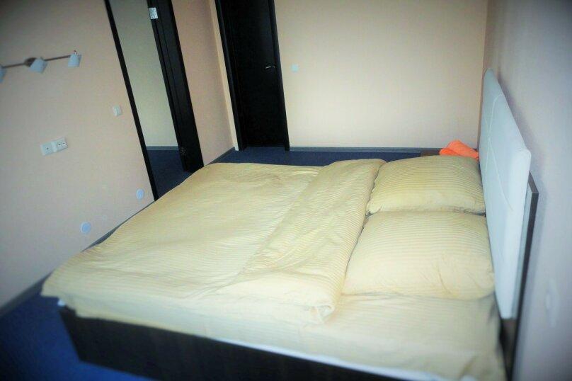 3 комнатный (6 спальных мест), зона отдыха, База отдыха «Волна», Екатеринбург - Фотография 4
