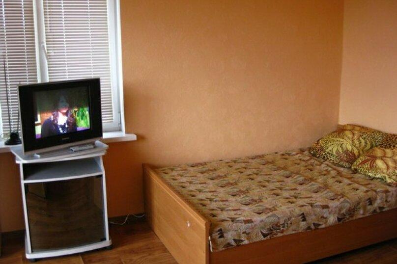 3-х местный номер с видом, 18 кв.м. на 4 человека, 1 спальня, улица Сергеева-Ценского, 6, Алушта - Фотография 1
