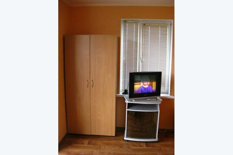 3-х местный номер с видом, 18 кв.м. на 4 человека, 1 спальня, улица Сергеева-Ценского, 6, Алушта - Фотография 10