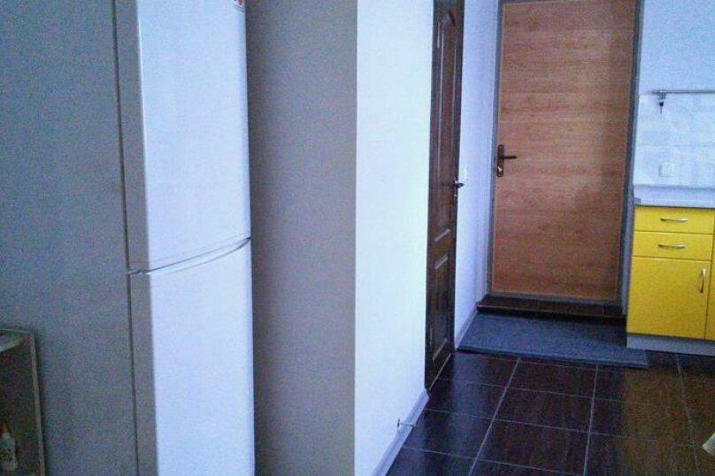 Двухкомнатный номер с кухней на 4  человека , улица Чекиста Галушкина, 9А, Евпатория - Фотография 1