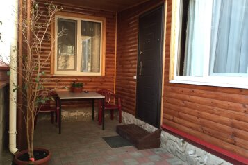 Деревянный домик, 35 кв.м. на 4 человека, 1 спальня, улица Космонавтов, 12, Форос - Фотография 1