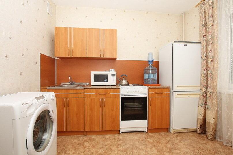 2-комн. квартира, 65 кв.м. на 7 человек, улица 40-летия Победы, 29Б, Челябинск - Фотография 12