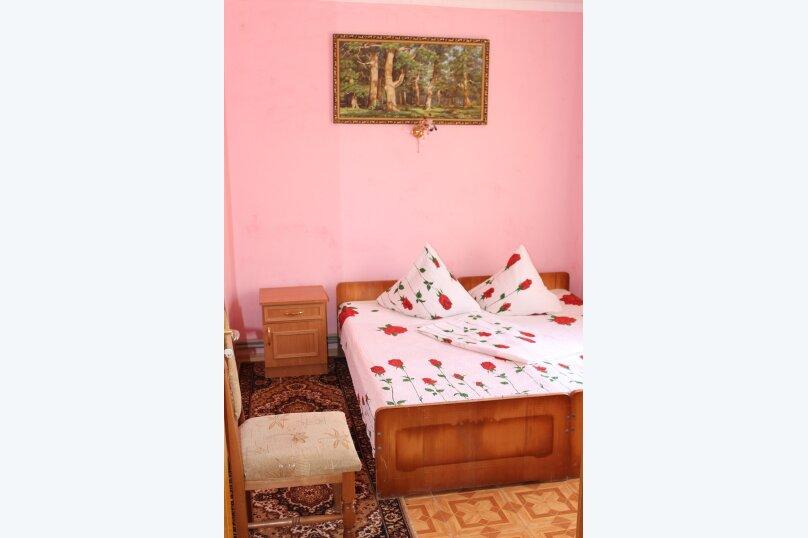3х комнатный с доп. местом, улица Генерала Бирюзова, 61, Судак - Фотография 2