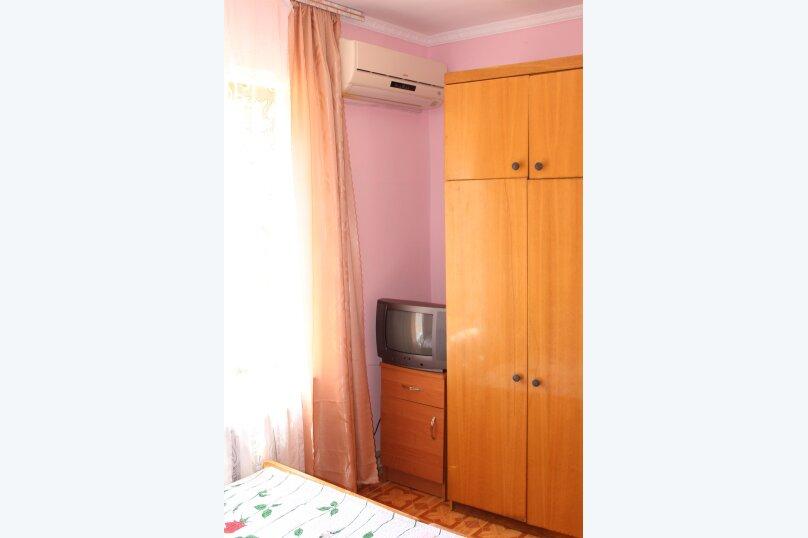 3х комнатный с доп. местом, улица Генерала Бирюзова, 61, Судак - Фотография 3