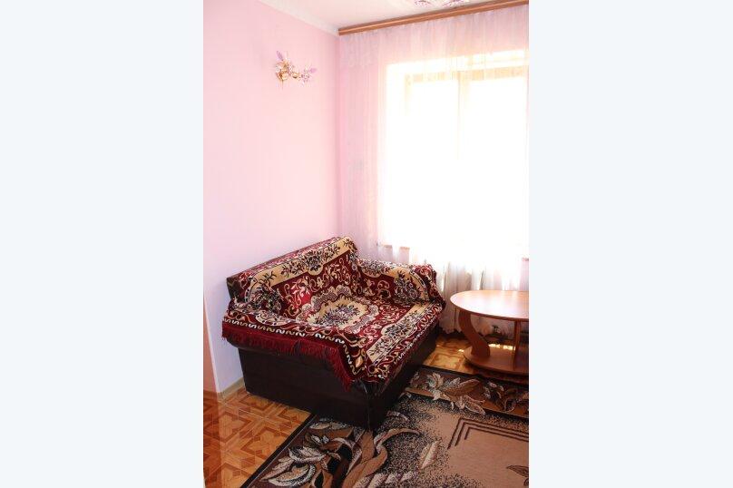 3х комнатный с доп. местом, улица Генерала Бирюзова, 61, Судак - Фотография 5