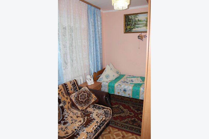 3х комнатный с доп. местом, улица Генерала Бирюзова, 61, Судак - Фотография 6